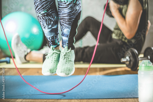 fitness-sport-saltar-la-cuerda