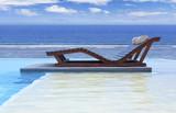 piscine à débordement avec vue sur lagon - 189818289