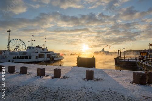 Fotobehang Schip Winter in Helsinki, Finland