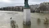 Paris - Crue de la Seine - 189883879