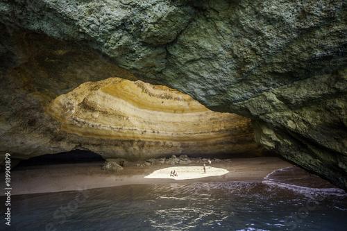 jaskinia-benagil-algarve