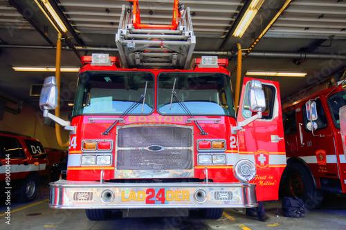 Wóz strażacki gotowy do reagowania na awarię