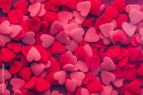 Ansammlung von Herzen für die Liebe, den Valentinstag oder den Muttertag © Jonathan Schöps