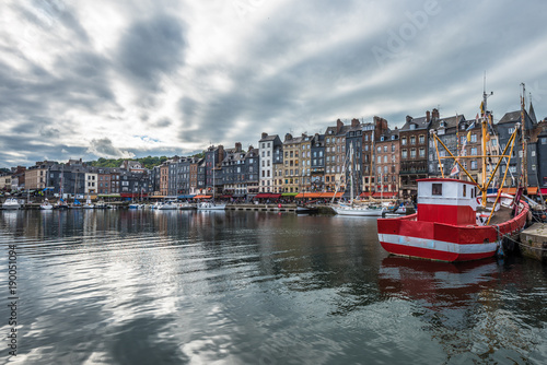 Keuken foto achterwand Schip Old port of Honfleur, Normandy, France