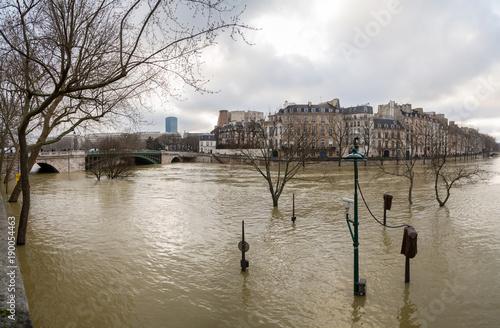 Fridge magnet Flood of the Seine 2018 in Paris France