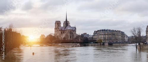 Flood of the Seine 2018 in Paris France - 190054464
