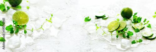 domowej-roboty-wapno-lemoniada-z-ogorkiem-rozmarynami-i-lodem-bialy-tlo-zimny-napoj-woda-detoks-copyspace-transparent
