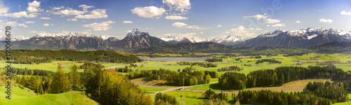 Keuken foto achterwand Panoramafoto s Panorama Landschaft im Allgäu bei Füssen im Frühling