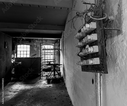 Foto op Canvas Oude verlaten gebouwen Sicherungen