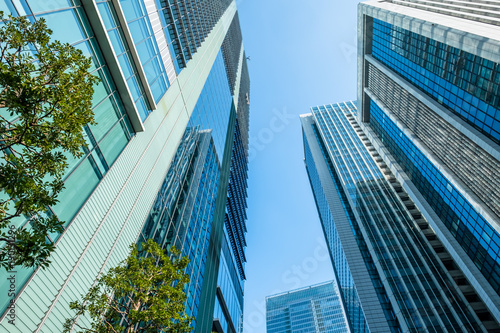 biznes-wysoki-budynek