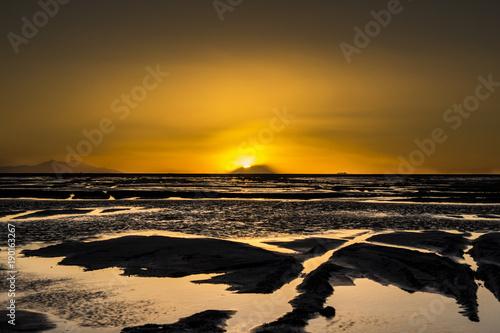 Fotobehang Strand Sunset at Uyuni