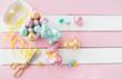 canvas print picture - Bunte Osterhasen und Eier