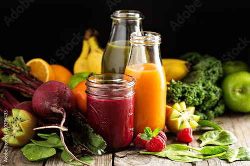 Keuken foto achterwand Sap Fresh vegetable and fruit juices with beets, berries and greens