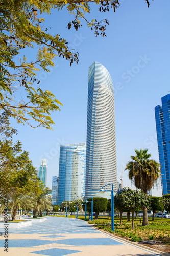 Deurstickers Abu Dhabi Abu Dhabi promenade with landmark view of modern buildings