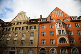 Old houses in Schwabing, orange and green facade - 190373263