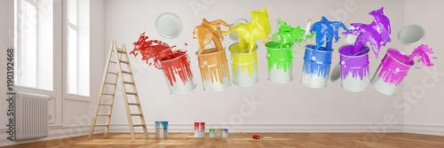 Panorama von Wohnung bei Renovierung mit Farben
