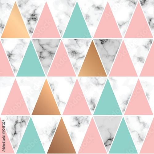 wektor-marmur-tekstura-bezszwowy-deseniowy-projekt-z-zlotymi-geometrycznymi-liniami-i-trojbokami-czarny-i-bialy-marmoryzacja-powierzchnia-nowozytny-luksusowy-tlo