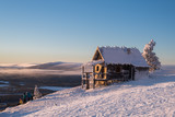 Old abandoned cottage and skiers at the mountain Levi lapland - 190487250