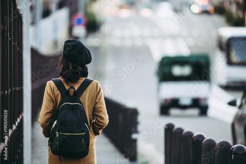 女性 旅行者