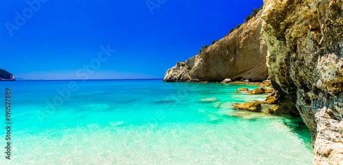 Fotobehang Freesurf Turquoise sea of amazing Porto Katsiki beach. Lefkada island, Greece