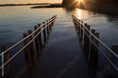 Plexiglas Pier Brücke zu wasser
