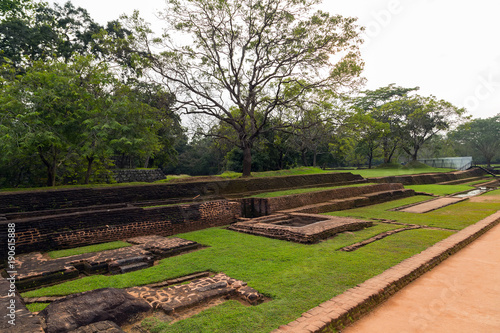 Papiers peints Cappuccino Landscape of ruin Royal Gardens and Pools, Lion Rock Sigiriya, Attractions Sri Lanka