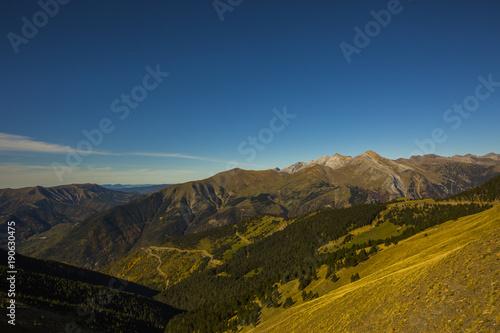 Fotobehang Nachtblauw Otoño en los Pirineos