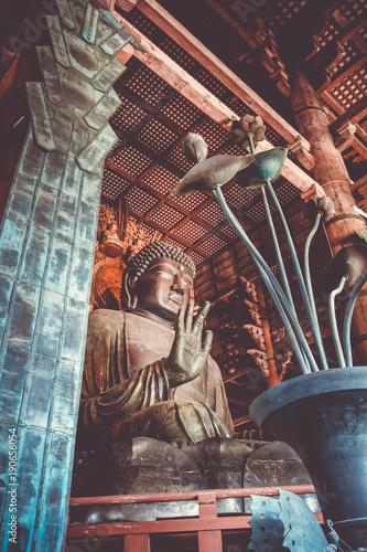 Fotobehang Boeddha Vairocana buddha in Daibutsu-den Todai-ji temple, Nara, Japan