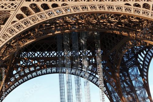 Tuinposter Eiffeltoren Architecture de la tour Eiffel