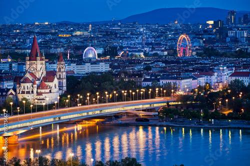 mata magnetyczna Wien Panorama bei Nacht