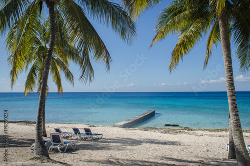 Foto op Canvas Tropical strand Beach and sea Cuba
