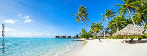Leinwandbild Motiv Sommer, Sonne, Strand und Meer im Urlaub