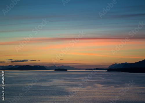 Foto op Canvas Zee zonsondergang Summer sunset in Alaksa