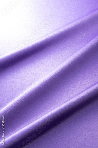 紫色のサテン