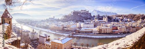 Salzburg im Winter, Morgensonne und Schnee, Panorama