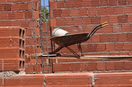 Foto op Canvas Baksteen muur Construção de tijolos cerâmicos vazados