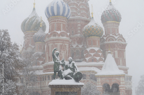 Poster Moskou Saint Basil Cathedral in Moscow during a snowstorm.