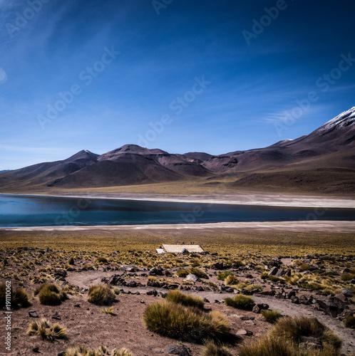 Keuken foto achterwand Cappuccino Berglandschaft in den Anden / Chile mit See