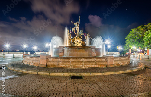 Raices Fountain at Night