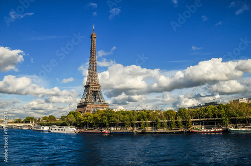 Foto op Aluminium Parijs Eiffel Tower over the Seine
