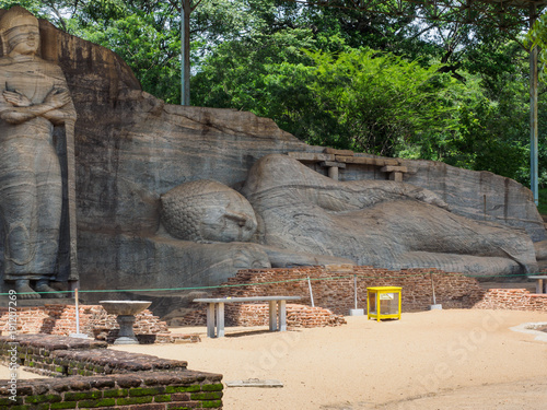 Fotobehang Boeddha The ancient reclining Buddha image and the standing Buddha image at Gal Vihara, Polonnaruwa, Sri Lanka