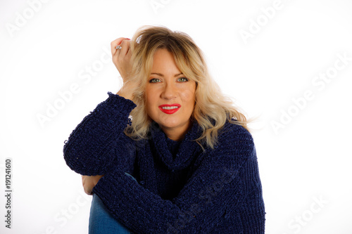 Fotobehang Kapsalon Woman With Rooty Blonde Medium Hairstyle On A White Background