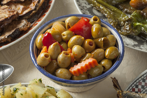 Papiers peints Maroc Bowl with traditional Moroccan pickled olives