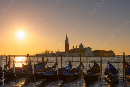 Foto op Plexiglas Venetie Venice Italy gondolas at sunrise light