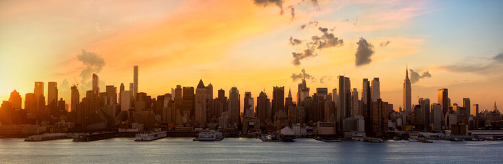 Manhattan skyline panorama at sunrise, New York City