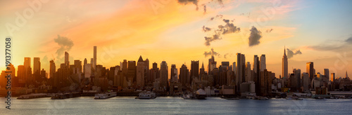 Foto op Aluminium New York Manhattan skyline panorama at sunrise, New York City