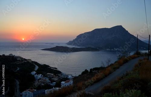 Foto op Canvas Zee zonsondergang Couché de soleil à Kalymnos