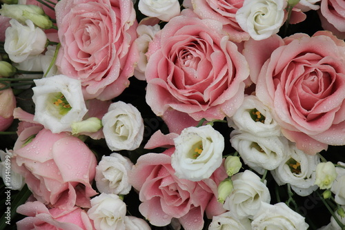 Plagát Pink and white wedding flowers