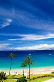 Blick über den Strand von Kaanapali Beach auf Maui über das Meer auf die Insel Molokai in Hawaii, USA. - 191462015