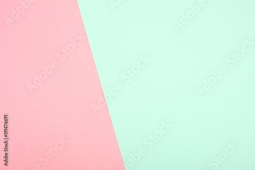 miętowy i różowy papier